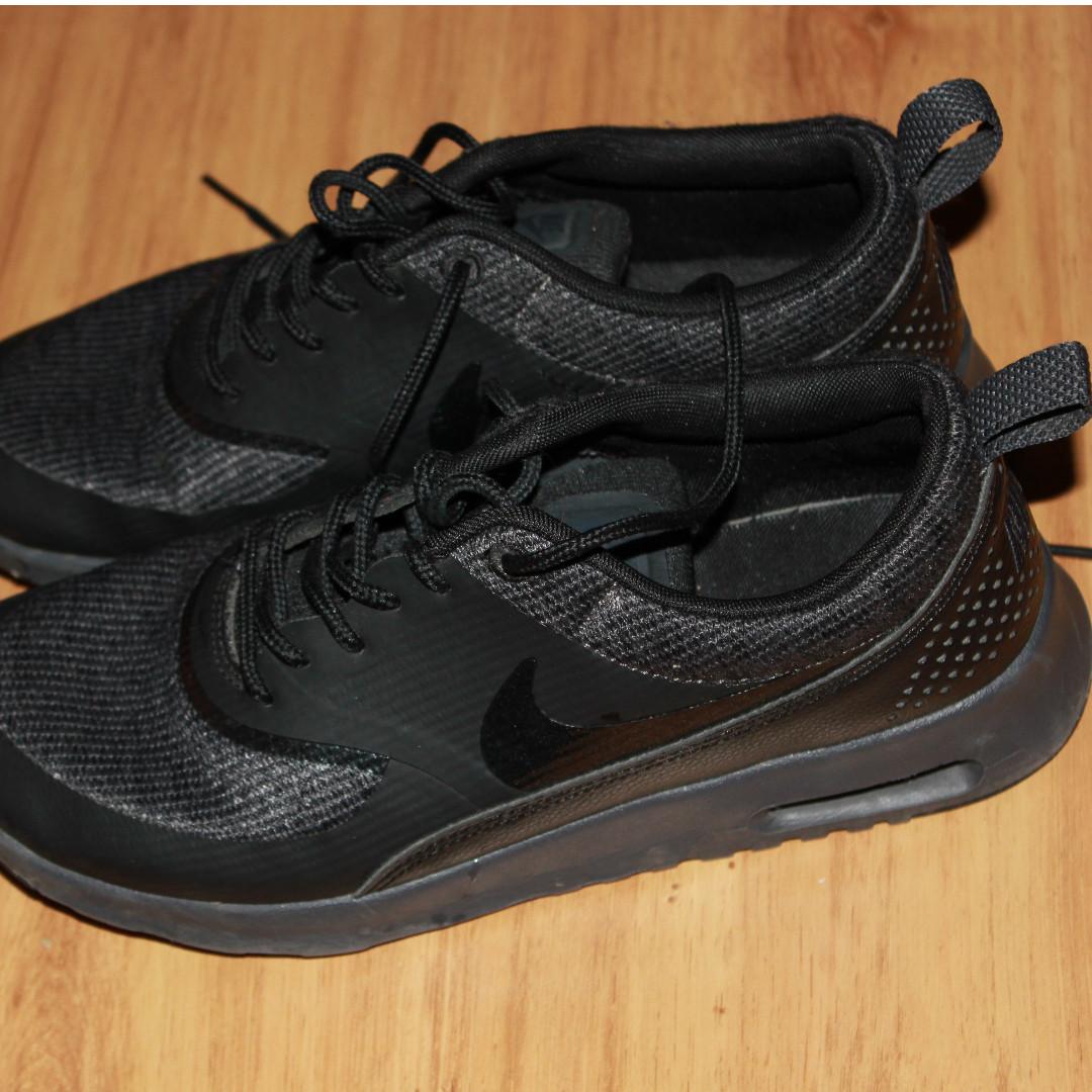 All Black Air Max Theas US size 8