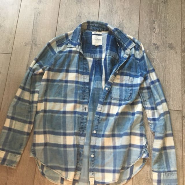 American eagle blue plaid button up top size small