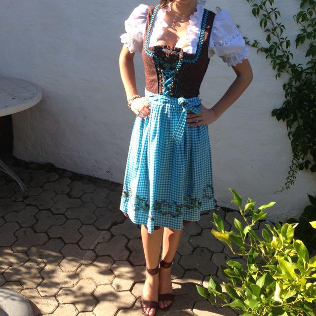 Authentic German Oktoberfest Dirndl dress size 6