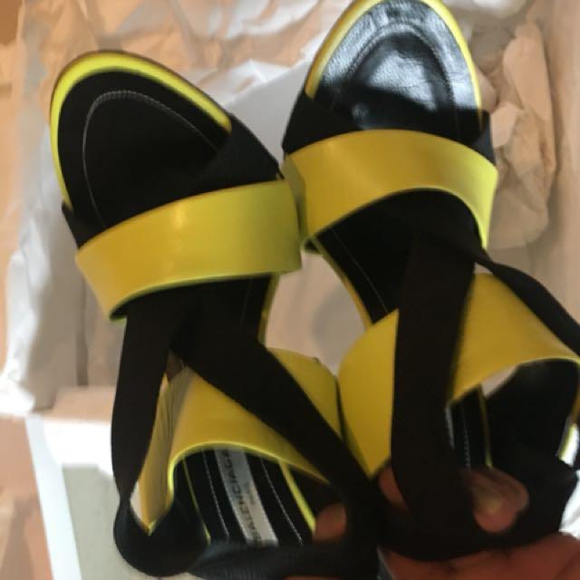 Balenciaga authentic strappy in yellow