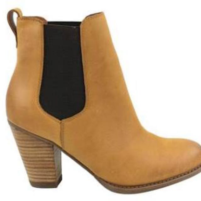 Bonbons Slinkii Tan Leather Boots