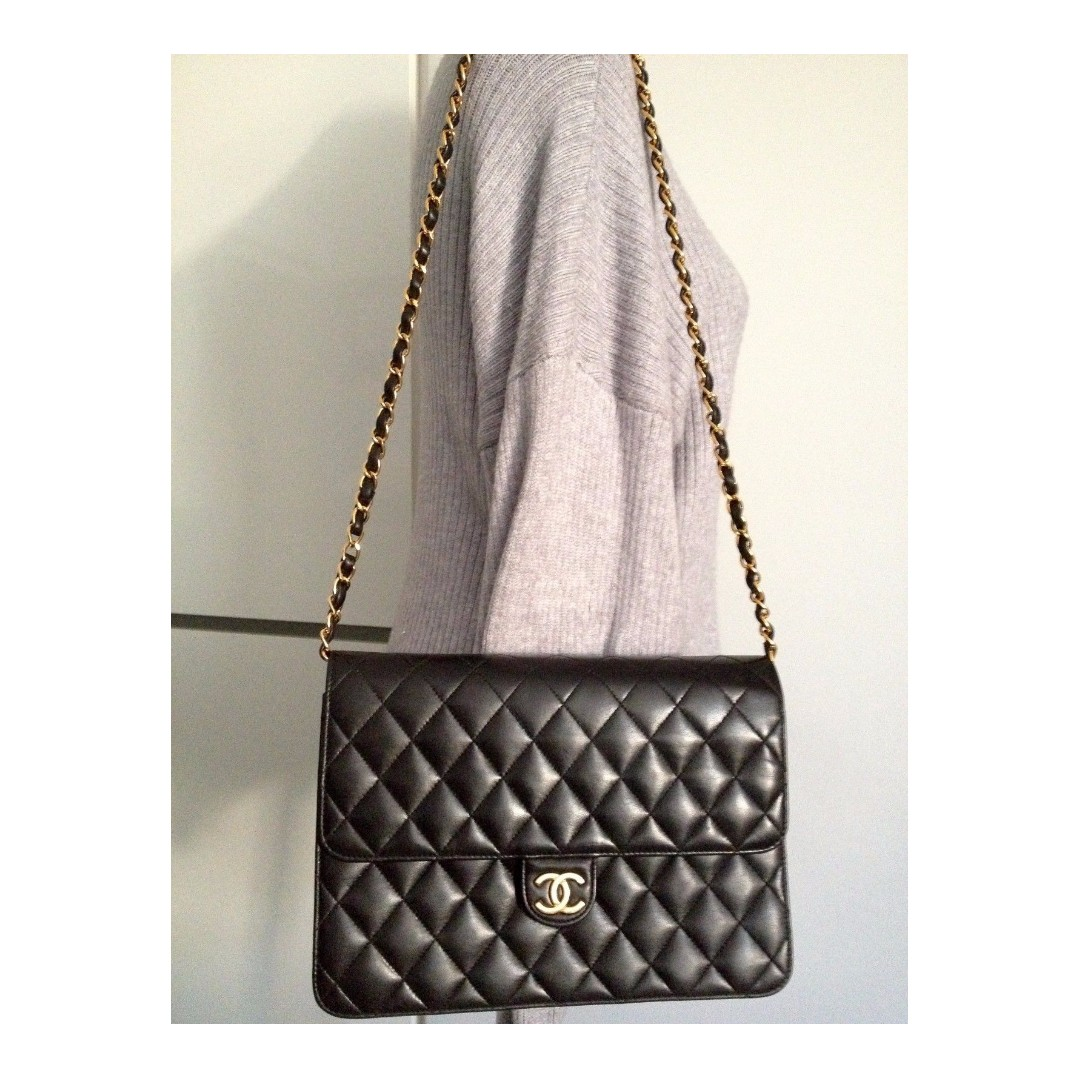 7cf40c51f732 Chanel Black Quilted Lambskin Leather Hampton Cc Foldover Clutch Bag ...