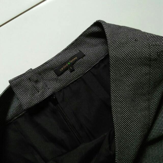 Grey Skirt (Cardinal Famme)