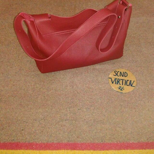 Handmade leather slingbag