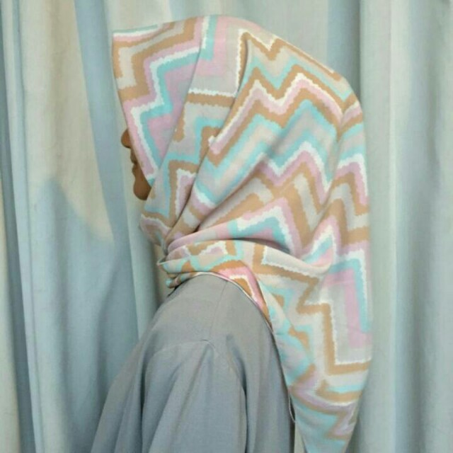 Hijab Square Motif