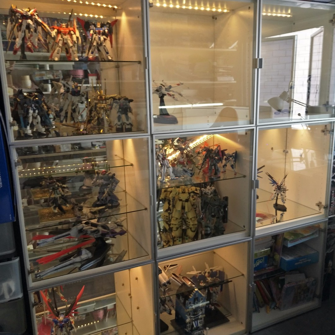 ikea besta 3x3 display cabinet with glass door toys. Black Bedroom Furniture Sets. Home Design Ideas