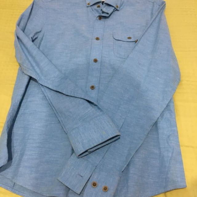 👱🏻MAN👱🏻 BASIC HOUSE Shirt in Size Small