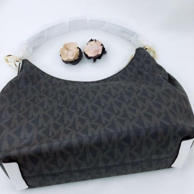 0f37670ef7 Michael Kors Isabella Medium Convertible Shoulder Bag (Brown White ...