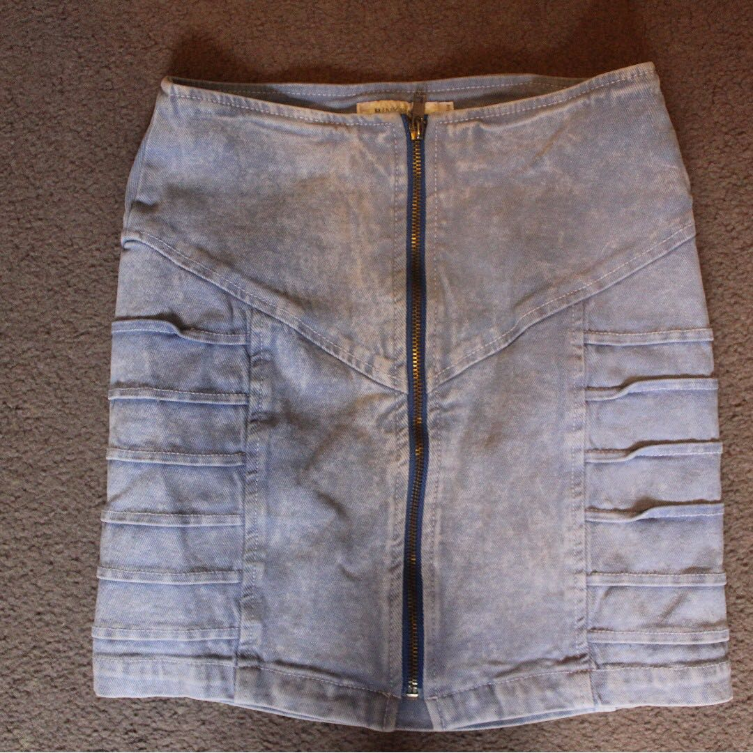 MINK PINK light blue denim skirt size 8