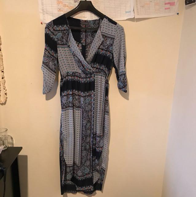 Mirrou Kimono type dress with splits on both sides