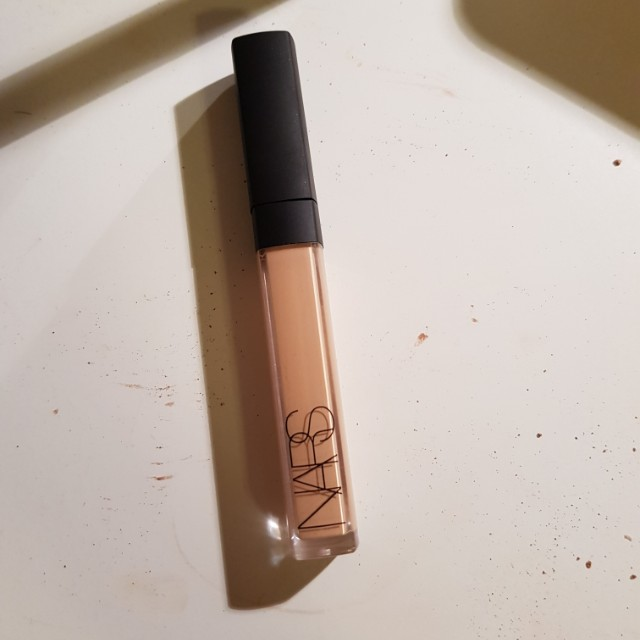 Nars radiant creamy concealer medium 1 custard