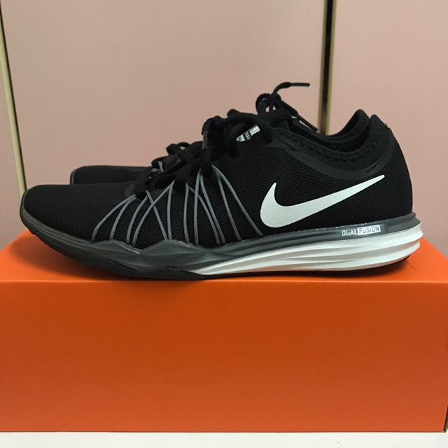 Nike 運動訓練鞋 全新