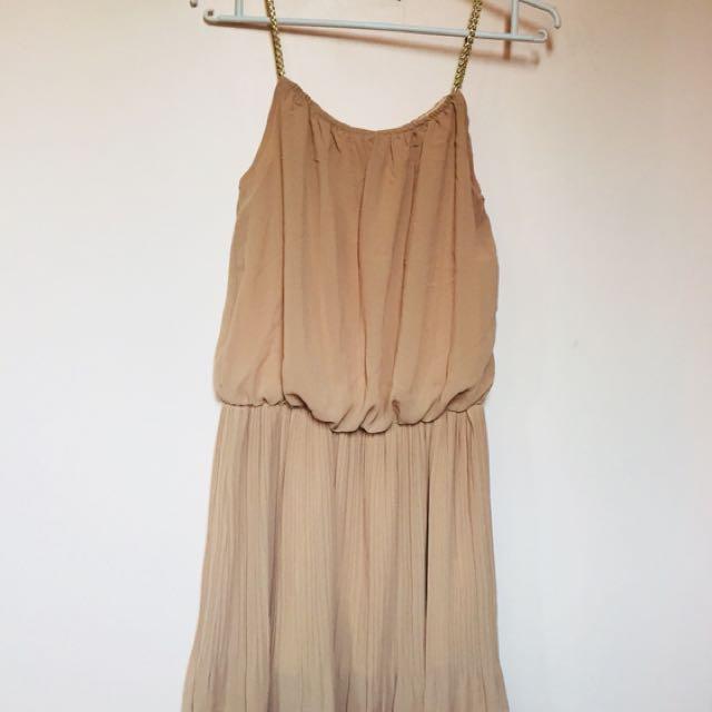 Nude dress 👗