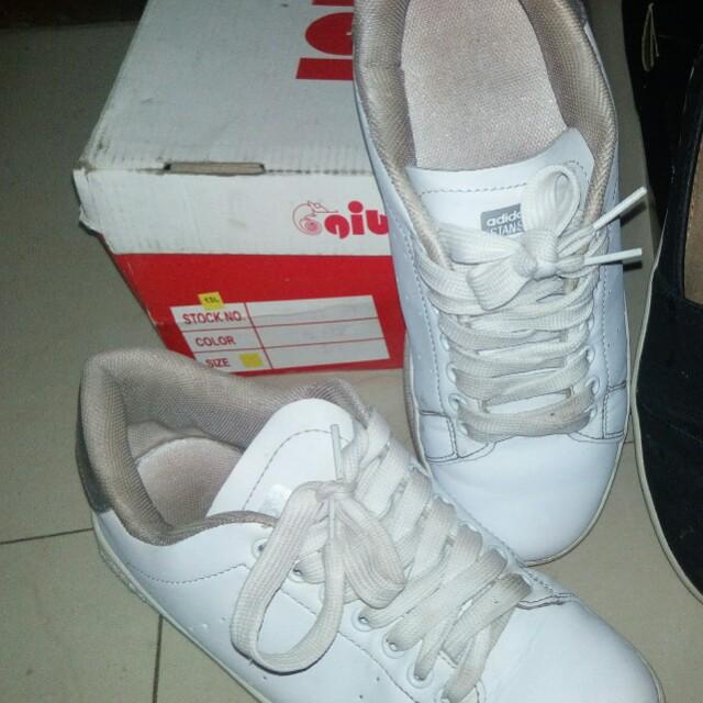 P.E Shoes