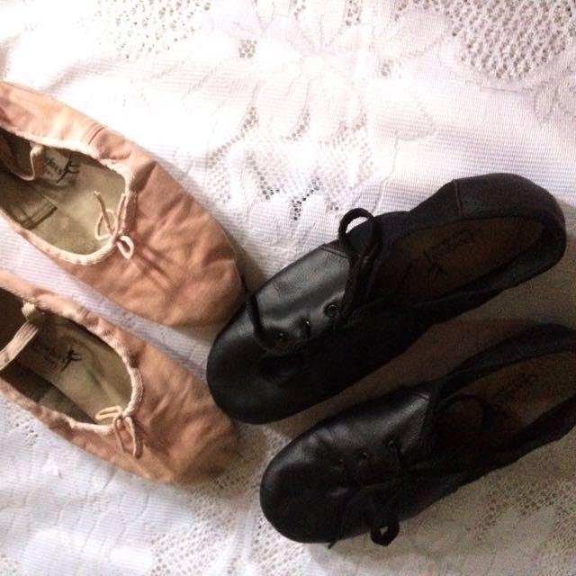 Sepatu balet chandra dewasa ukuran 38 dijual 2 pasang ( tdk jual terpisah)