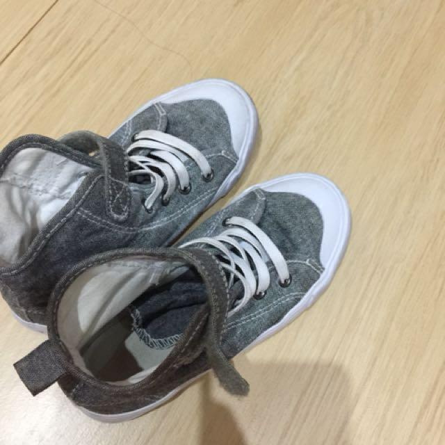 Sepatu boots H&M