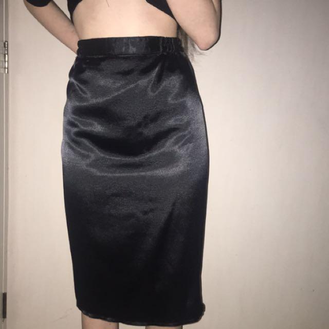 Silk skirt 💫 Size 12-14