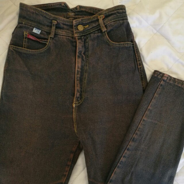 Vintage high waisted jeans size 8-10