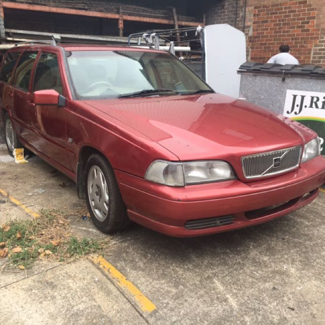 Wrecking!!! Volvo v70 anything you need