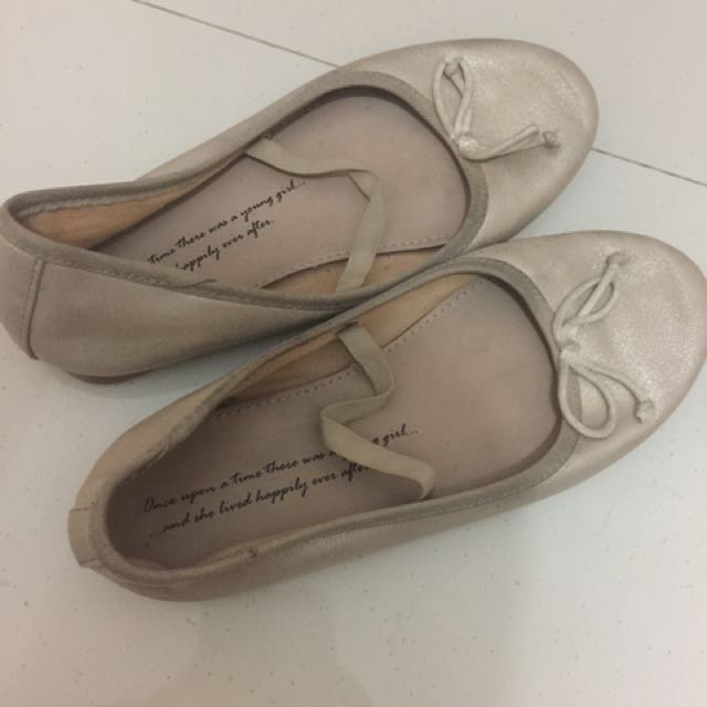 Zara Girls Shoes 100% original size 31