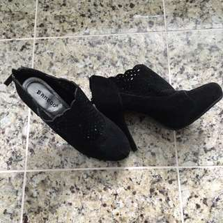 Black Fashion Heels with mesh detail