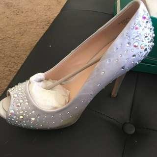Lauren Larraine sparking heels