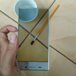 SHARP Aquos CRYSTAL SH305