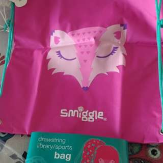 Smiggle woodland drawstring library/sports bag