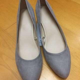 Uniqlo氣質灰高根鞋(25號)