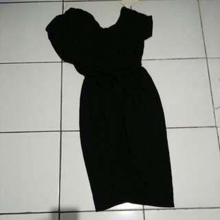 Dress Elegant Hitam Polos