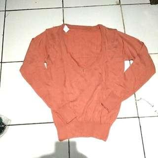 Sweater Rajut V Neck Salem