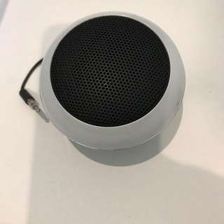 Portable speaker rechargeable