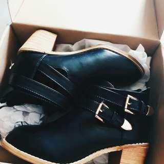 D+AF靴子