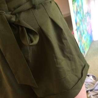KHAKI shorts - size 8