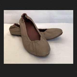 Sorel Leather Flats Slip On Style Size 8