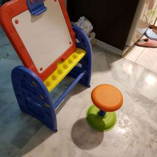 White board and table chair for kid