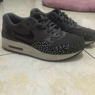 Nike airmax 1 sprinkle black size 38