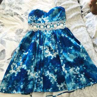 DOTTI Size 8 Floral Dress