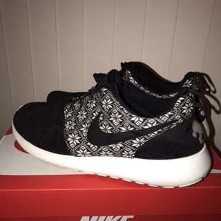 """Nike Roshe Run """"Winter"""" collection size 10 US"""