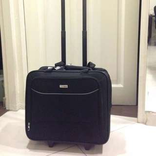 "Brand New Targus Executive 15.6"" Laptop Roller - Black"