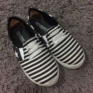 girls shoes size 29