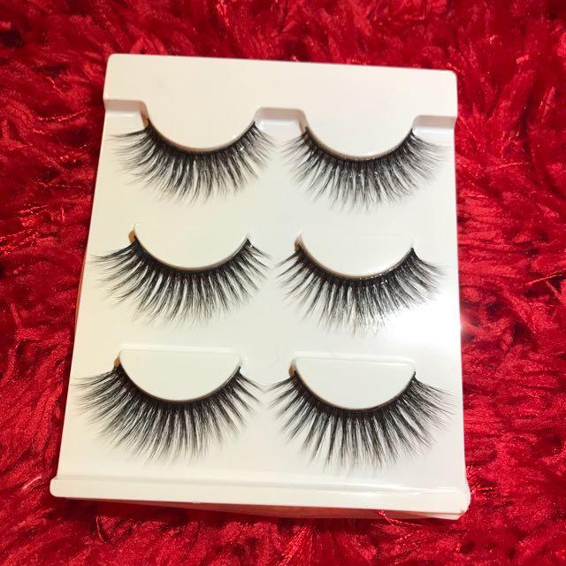 3 pairs on false lashes