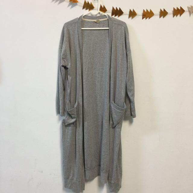 灰色長版罩衫