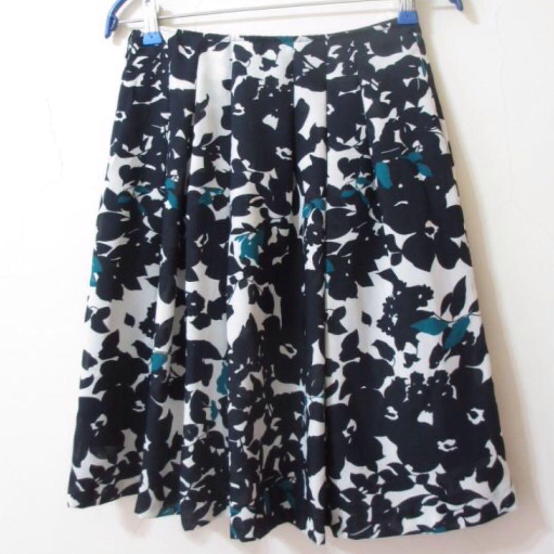 [ $ 259 免運 ]日式 質感 花柄 壓褶 及膝裙 GU Uniqlo ZARA ASOS WHIPLE 古著 vintage