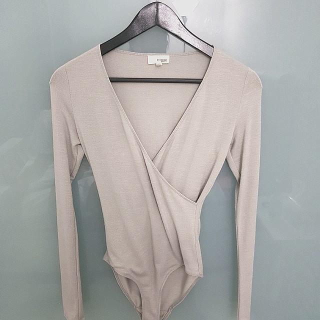 Aritzia Wilfred Free Grey Bodysuit