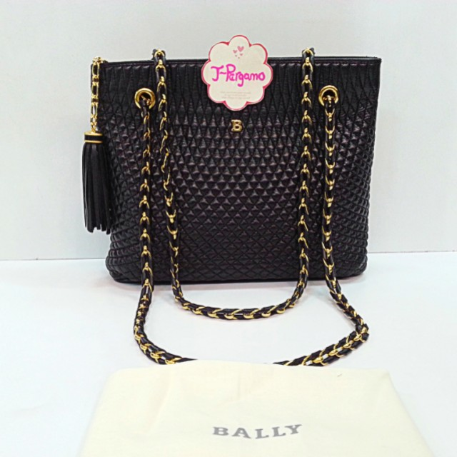 Authentic Bally Quilted Lambskin Shoulder Tote Bag With 24K Plated Golden Hardware  {{ Only For Sale }} ** No Trade ** {{ Fixed Price Non-Neg }} ** 定价 **