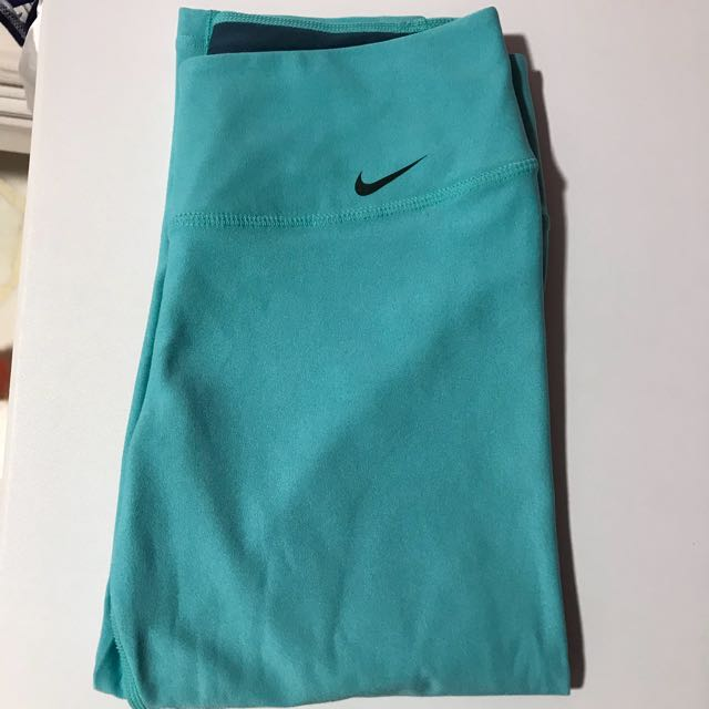 Authentic Nike 3/4 Pants