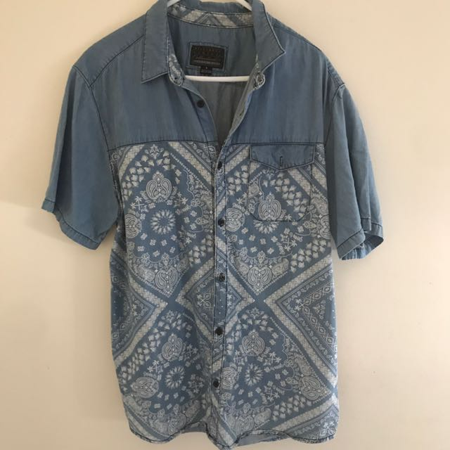 Billabong shirt collared