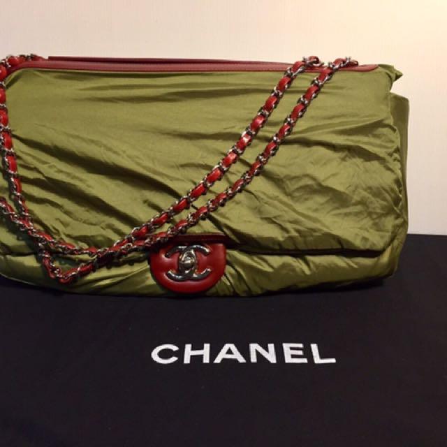 Chanel 季節雨衣包