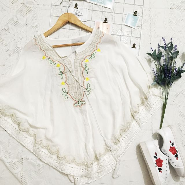 Embroidery kimono top